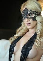 Shannyn Wears Her Sexy Mask - Picture 12