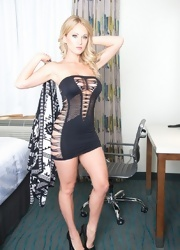 Shannyn Teases In Her Ripped Dress - Picture 6